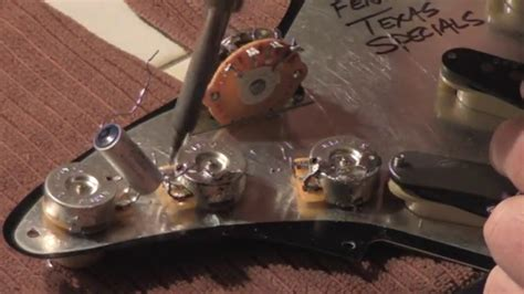How to wire your stratocaster, test pots, select capacitor